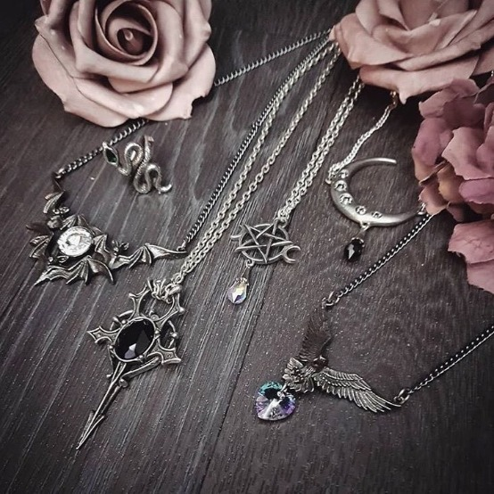 Featured Necklaces